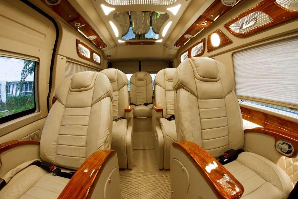 Thuê xe limousine 5 sao Phú Quốc