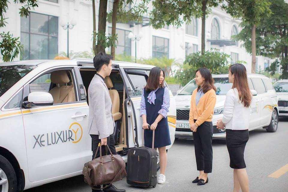 Xe limousine Luxury Transport Hà Nội - Hạ Long 1