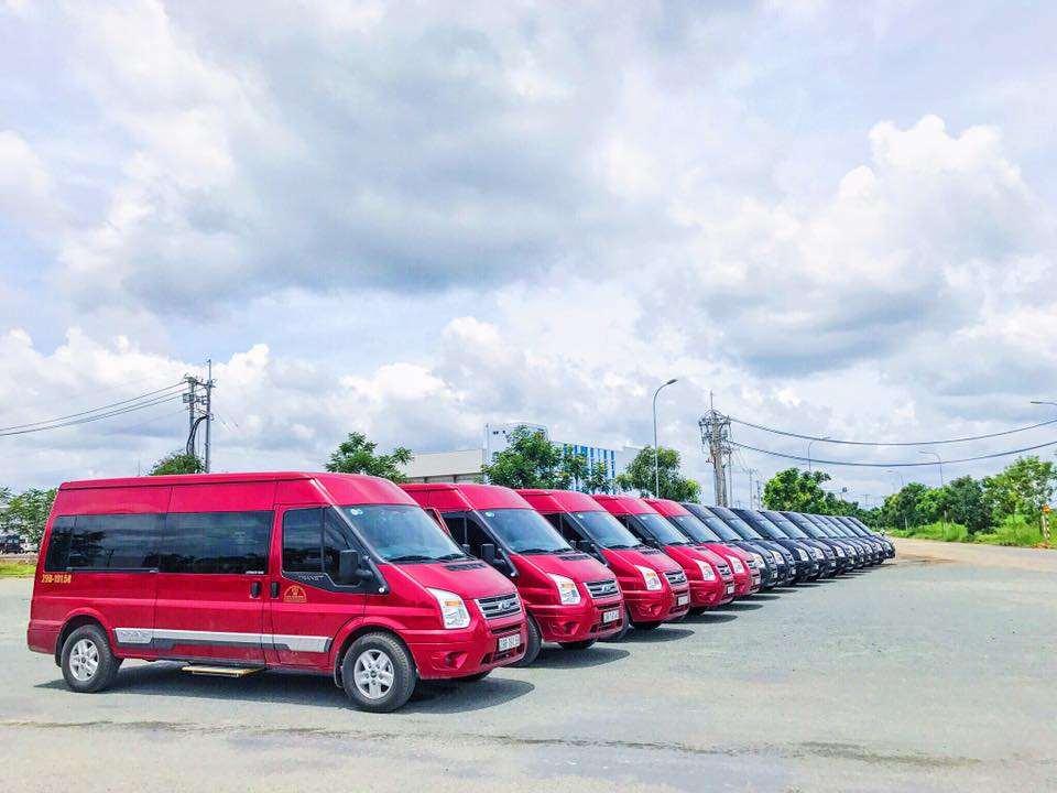 Xe limousine Hà Nội đi Thái Nguyên - Hà Lan Limousine 1