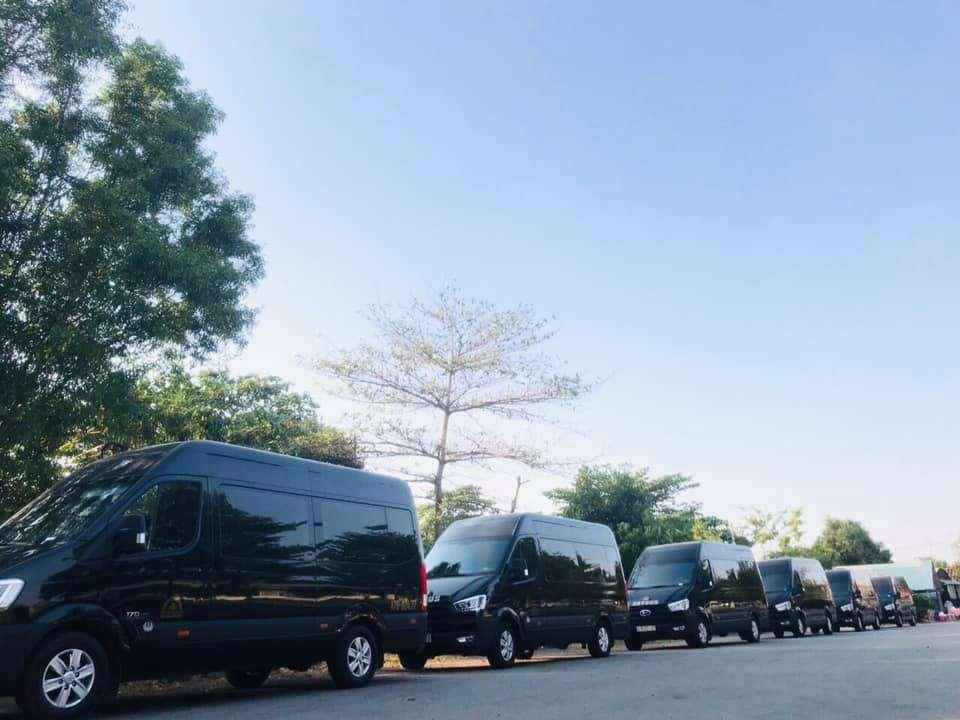 Xe VIP limousine Ha Noi Nam Dinh XE Viet Nam
