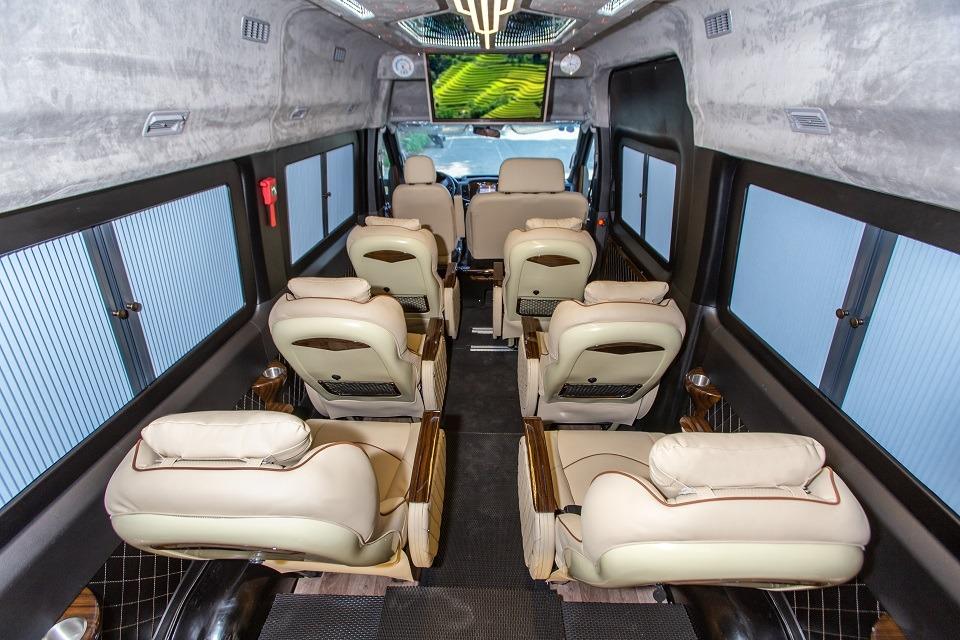 Xe limousine VIP Hà Nội đi Hải Phòng