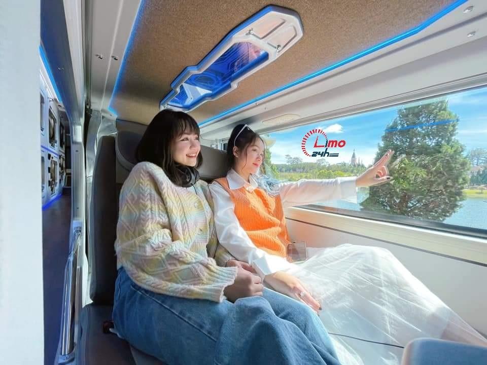 Xe cabin phòng đôi đi Đà Lạt xịn sò nhất - Limo24h